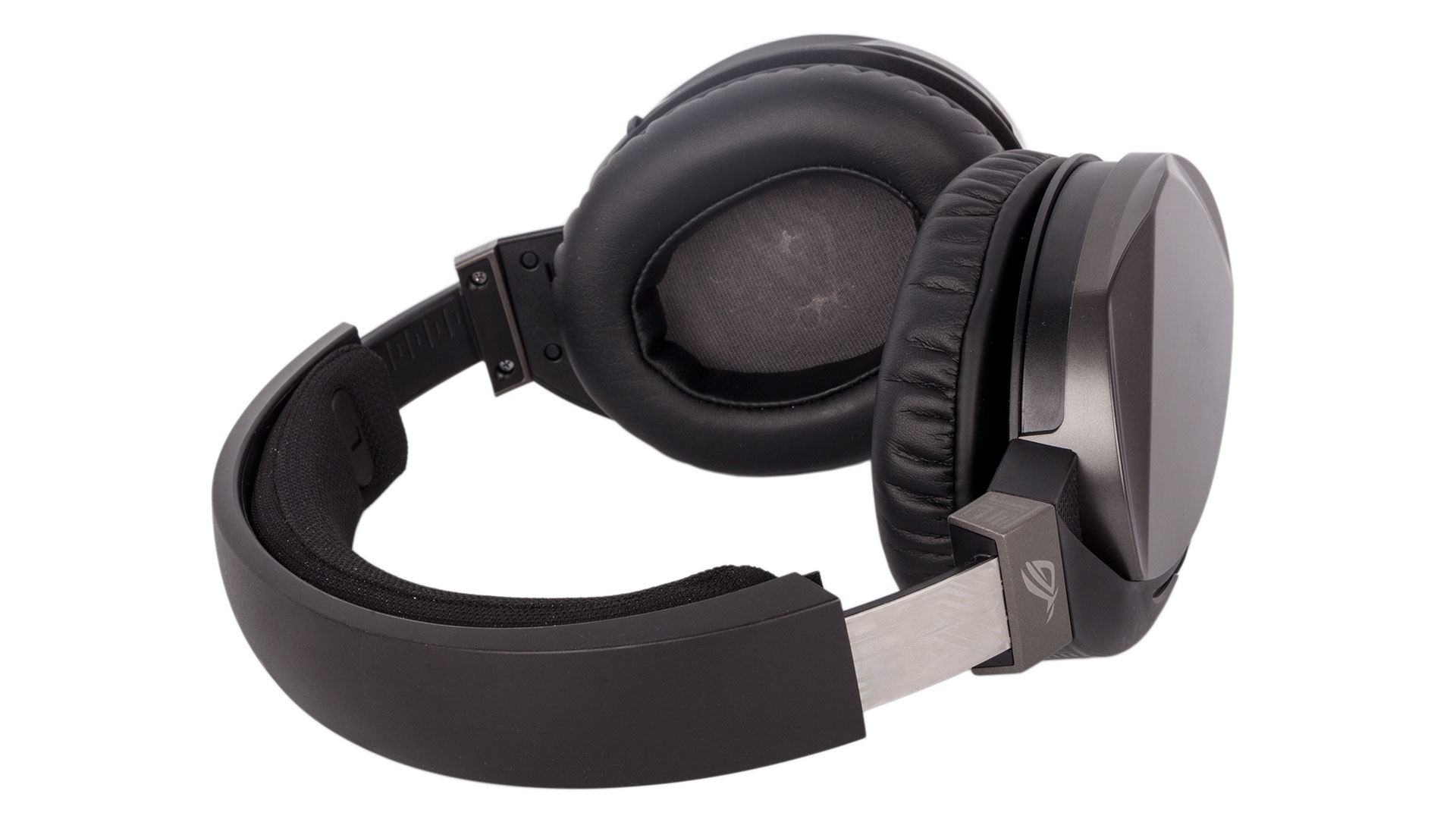 Asus ROG Strix Fusion 300 Review   bit-tech net